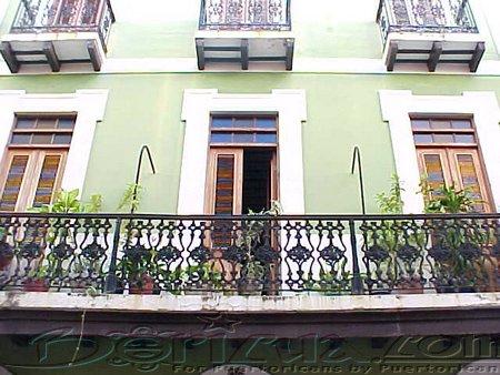 Old San Juan Balcones and Doors