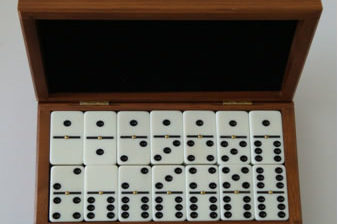 How to select a set of Double Six Dominoes