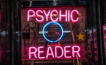 You Should Try Phone Psychic Readings – Here's Why