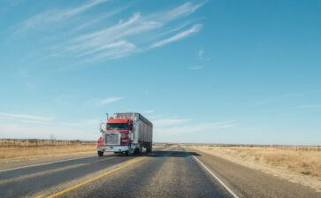 Latino Truckers in Florida Are Risking Their Health During The Pandemic