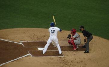 Puerto Ricans Helping Dodgers Pursue World Series
