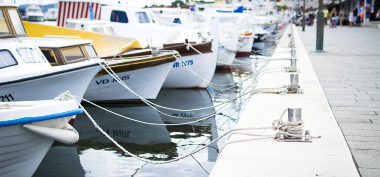4 Ways To Maintain a Yacht During Winter