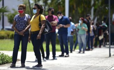 Puerto Rico to open vaccinations to all amid COVID-19 spike