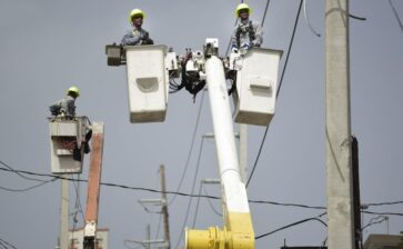 New company, same woes: Puerto Rico suffers power outages