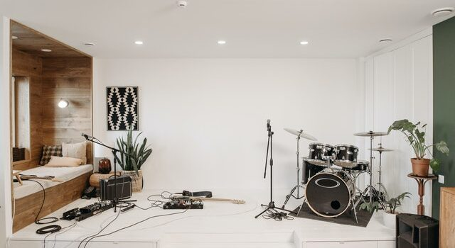 8 Reasons to Hire a Music Rehearsal Studio